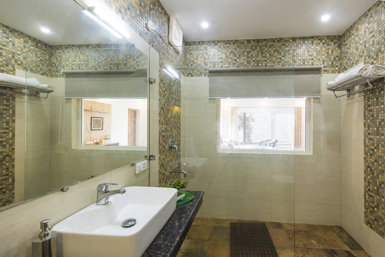 Luxury Hotel Room Shower in Rishikesh Himalayas at Ayurveda Yoga Retreat of Veda5
