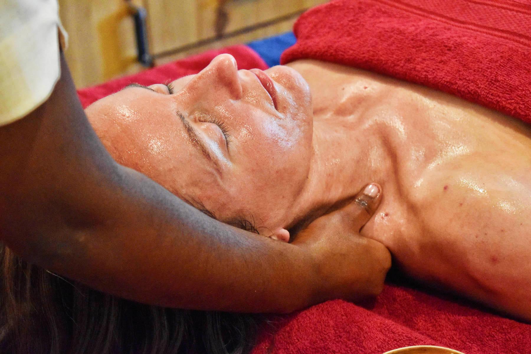 Veda5 Luxury Ayurveda Panchakarma Treatment Package - Wellness Retreat for Healing and Cure in Himalayas - Rishikesh India International