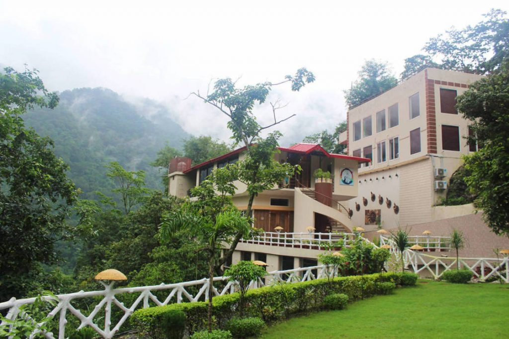 Beautiful Views of Rishikesh Himalayas India at Veda5 Ayurveda Yoga Retreat