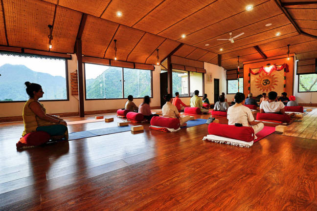 Best Yoga in Rishikesh Himalayas India at Veda5 Luxury Retreat