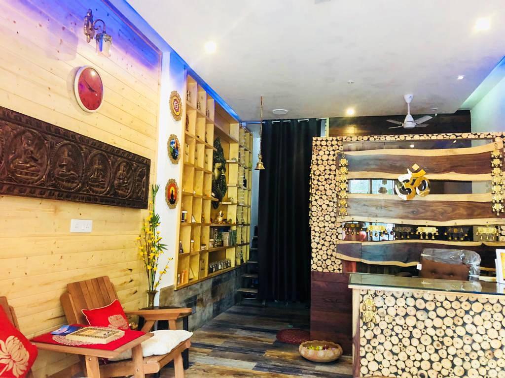 Veda5 Wellness Reception in Rishikesh Himalayas India - Ayurveda Spa Organic Spa Panchakarma Treatments Yoga Retreats Sky Cafe Vedic Library