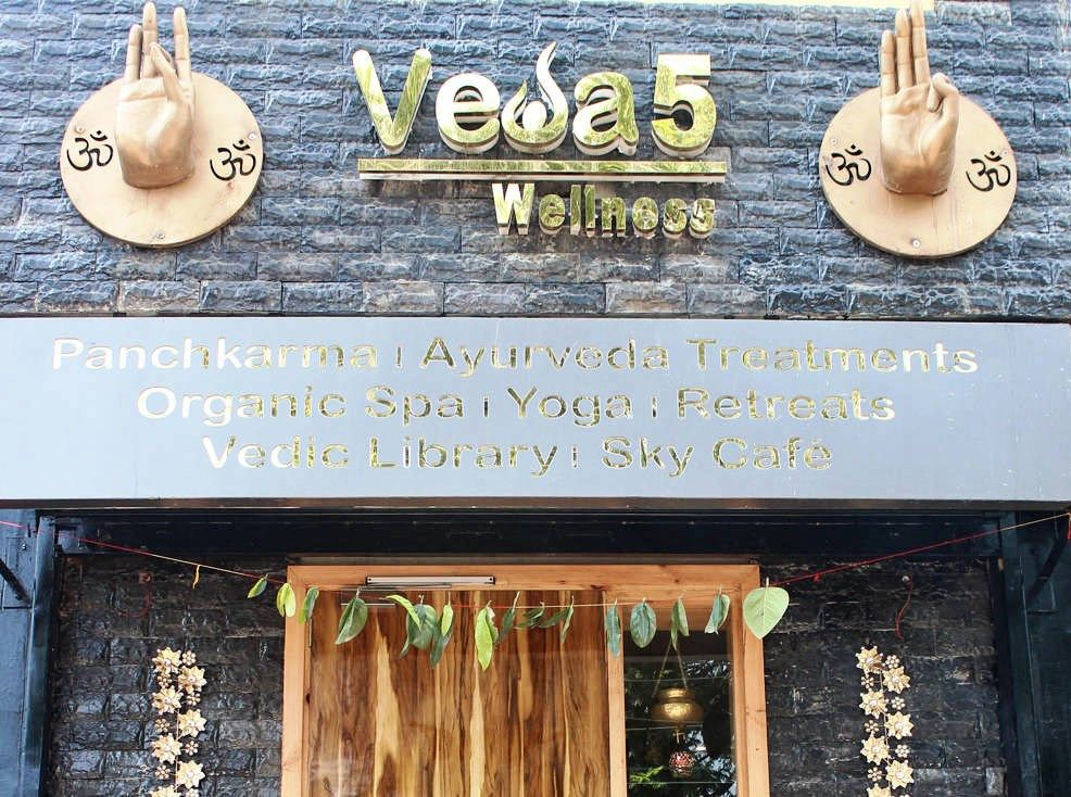 Veda5 Wellness in Tapovan Rishikesh Himalayas India - Ayurveda Spa Panchakarma Treatments Organic Spa Sky Cafe Yoga Retreats Vedic Library