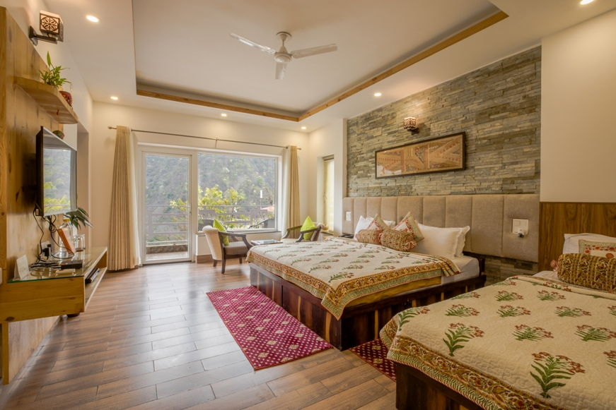 Mountain View Beautiful Spacious Room - Veda5 Luxury Ayurveda Yoga Retreat Rishikesh Himalayas India
