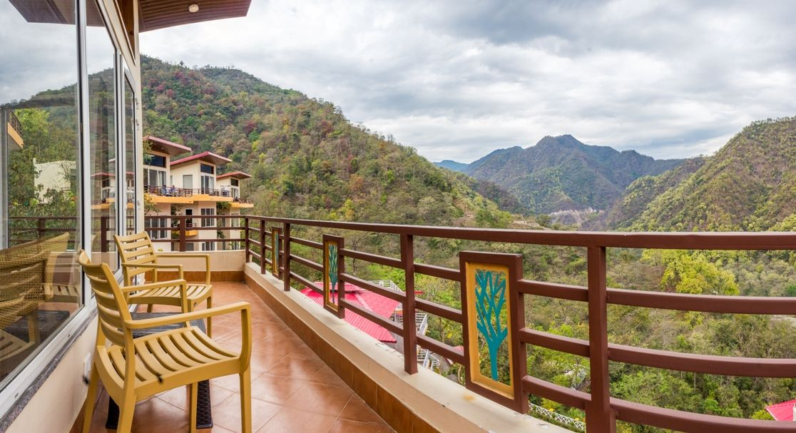 Mountain View Room - Veda5 Luxury Ayurveda Yoga Retreat Rishikesh Himalayas India