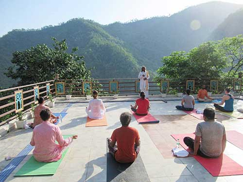 Best Yoga Classes and Yoga Training Center in Rishikesh - Veda5 Wellness Luxury Retreat - Himalayas India