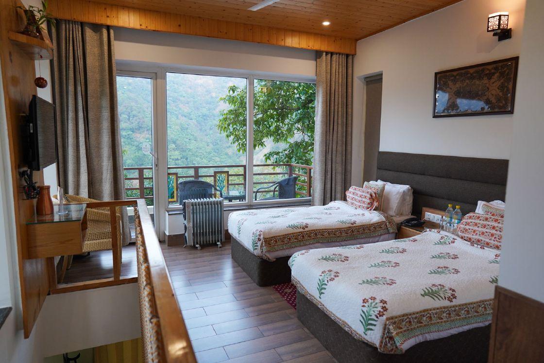 Best Hotel in Rishikesh - Authentic Ayurveda, Panchakarma & Yoga - Veda5 Luxury Retreat