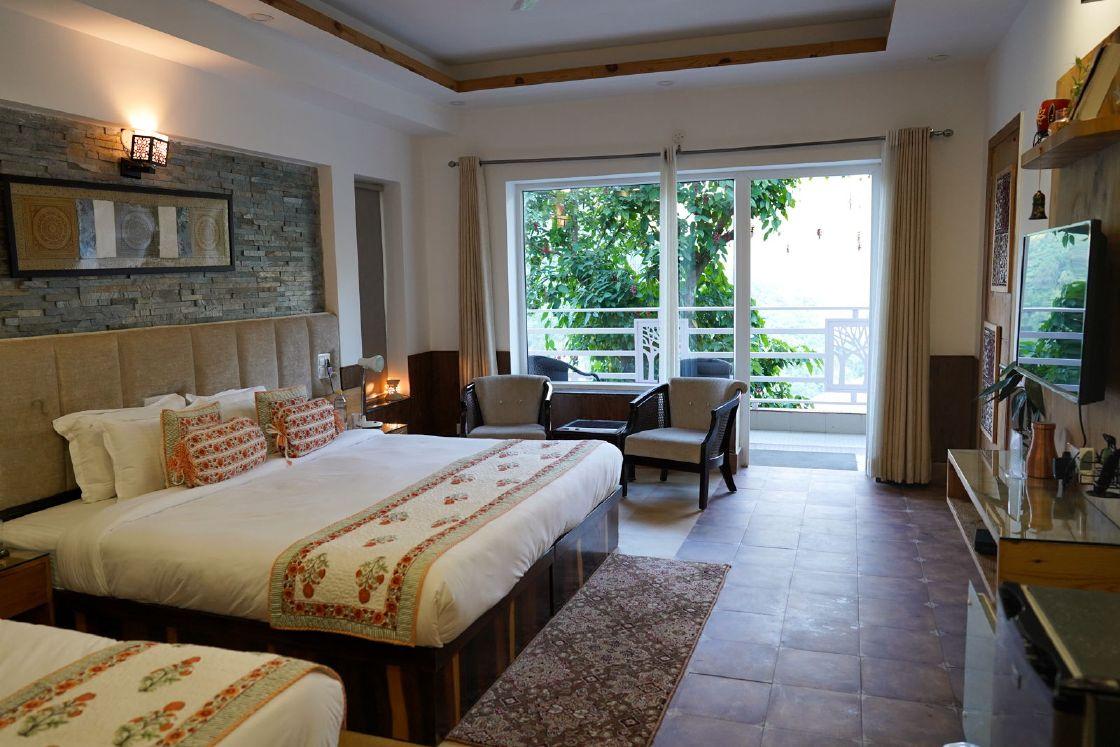 Best Hotel in Rishikesh - Luxury Ayurveda, Panchakarma & Yoga - Veda5 Wellness Retreat