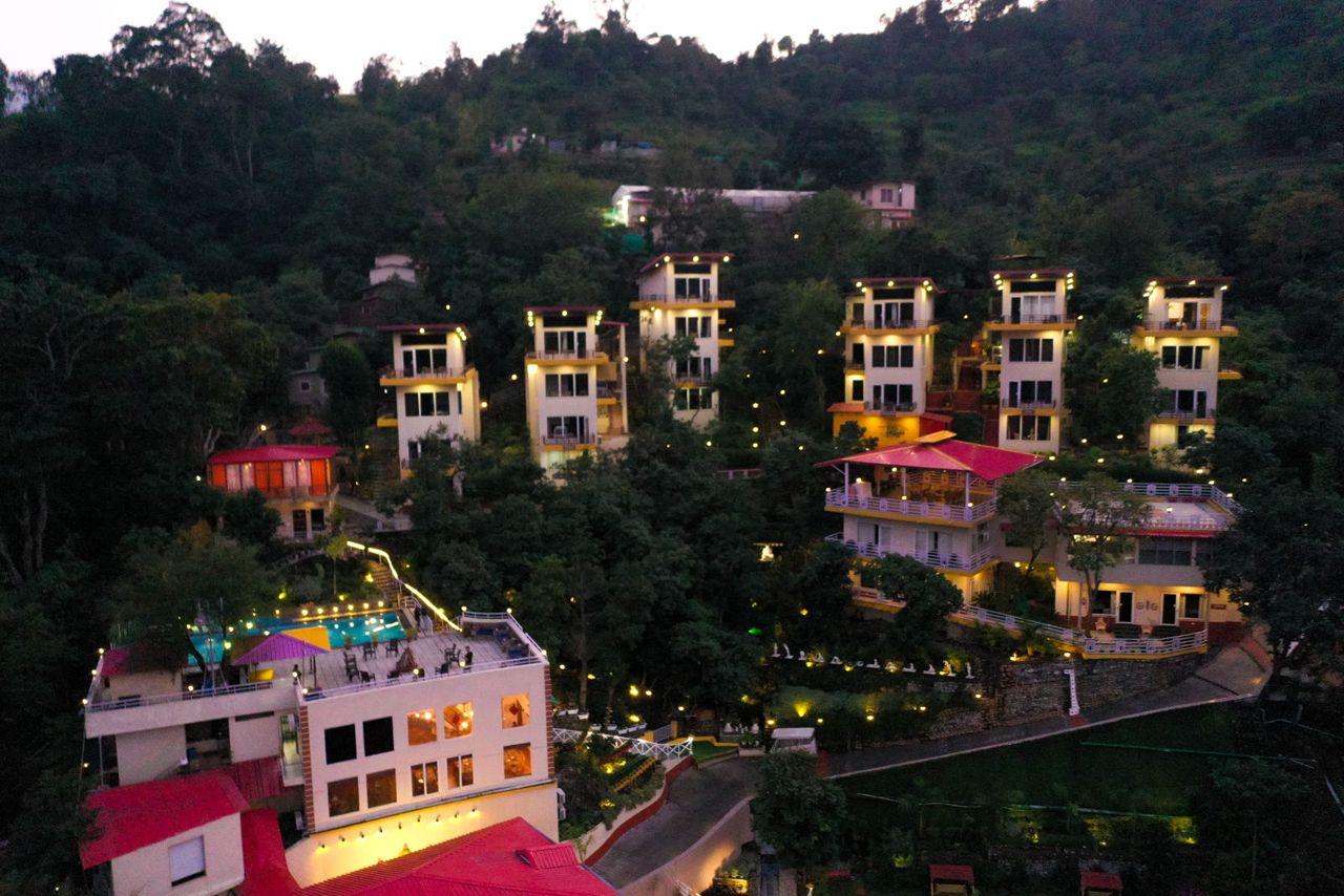 Beautiful Luxury Best Wellness Ayurveda Yoga Retreat in Rishikesh India - Veda5